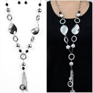 TOTAL ECLIPSE OF THE HEART NECKLACE/EARRING SET
